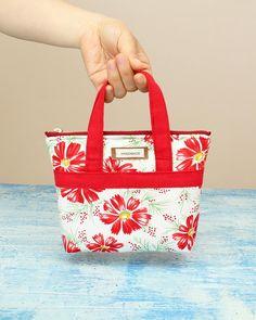 Diy Bags Purses, Diy Purse, Diy Handbag, Diy Bags Patterns, Tote Bag Patterns, Bag Sewing Patterns, Cute Tote Bags, Sew Tote Bags, Bags To Sew