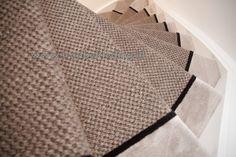Foto's | Trapbekleding.nl Happy House, House Stairs, Carpet Runner, Flooring, Interior, Runners, Design Ideas, Home Decor, Hallways