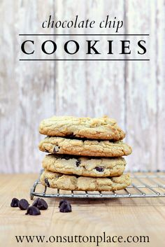 Includes tips to turn out a light and moist cookie that will melt in your mouth!