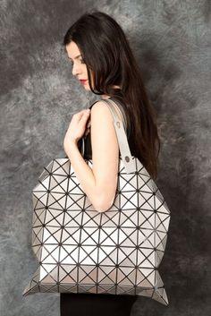 ISSEY MIYAKE – Bao Bao Shopping Bag PNP-firenze #isseymiyake #baobao #pnpfirenze