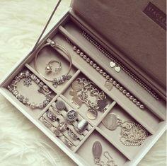 Pandora Rings, Pandora Bracelets, Piercings, Jewelry Accessories, Wallet, Flat Lay, Sparkles, Jewlery, Charms