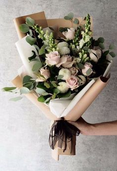 24 Best Floral Shop Ideas - fancydecors - Handheld bouquet of flowers with lots of eucalyptus and rannunculus and whites and pinks - Amazing Flowers, Fresh Flowers, Beautiful Flowers, Spring Flowers, Winter Flowers, Simple Flowers, Simply Beautiful, Deco Floral, Arte Floral