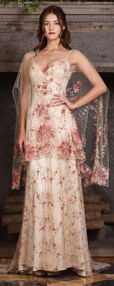 Claire Pettibone Couture Vinatge Wedding Dresses 2017 Maple / http://www.himisspuff.com/claire-pettibone-fall-wedding-dresses-2017/4/