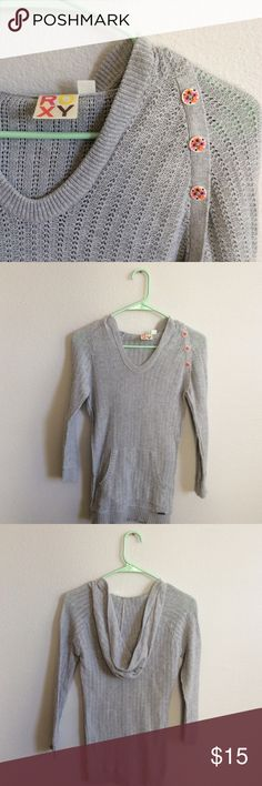 Roxy Grey Hooded Knit Pullover Sweater In like new condition.  Label says it's a size medium but fits a small. Cute buttons on left shoulder. Roxy Sweaters Crew & Scoop Necks