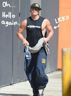 Back In Shape For Magic Mike XXL! Channing Tatum Is Baring Some Biceps & Looking GOOD!