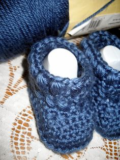 Crocheted In Love ~ Just For You: X's and O's Bootie Pattern http://crochetedinlove.blogspot.com/2012/09/xs-and-os-bootie-pattern.html