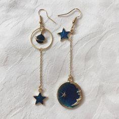 Will bundle – Depop Celestial planet, moon, star dangle earring. Will bundle – Depop Ear Jewelry, Cute Jewelry, Jewelry Accessories, Women Jewelry, Fashion Jewelry, Jewelry Making, Jewelry Bracelets, Hippie Jewelry, Gold Jewellery