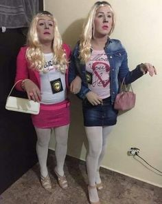 52 Most Trendy Halloween Costumes College To Copy Right Now Diy Halloween Party, Matching Halloween Costumes, Cute Couple Halloween Costumes, Trendy Halloween, Halloween Outfits, Halloween Costumes Bestfriends, Mean Girls Halloween Costumes, Funny Couple Costumes, Best Friend Halloween Costumes