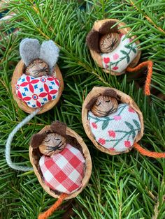 Schlafende Mäuse im Walnussbett Sleeping mice in the walnut bed, DIY, handicrafts with and for child Fall Crafts, Diy And Crafts, Crafts For Kids, Christmas Crafts, Christmas Decorations, Christmas Ornaments, Holiday Decor, Diy Pinterest, Diy Y Manualidades