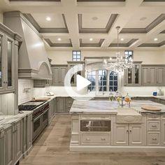 28 elegante witte keuken ontwerp en de lay-out ideeën homehari's Elegant Kitchens, Luxury Kitchens, Beautiful Kitchens, Custom Kitchens, Modern Kitchens, Kitchen Modern, Minimalist Kitchen, Modern Farmhouse, Luxury Kitchen Design