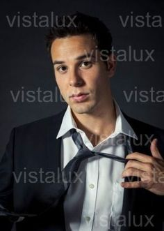 Skylar Astin, i just can't help how in love i am... :D