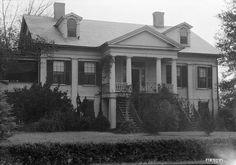 Lakewood in Livingston, Alabama.jpg