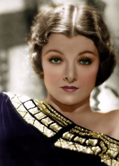 Myrna Loy Old hollywood look. Viejo Hollywood, Hollywood Icons, Old Hollywood Glamour, Golden Age Of Hollywood, Vintage Glamour, Vintage Hollywood, Hollywood Stars, Classic Hollywood, Vintage Ladies