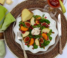 Fall Fruit Goat Cheese Salad with Honey Ginger Vinaigrette @calaisio @midtownoliveoil #salad #Thanksgiving