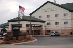 Dog friendly hotel in Rockford, IL - Radisson Hotel & Conference Center Rockford   Rockford, IL