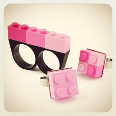 Cute Lego knuckle duster ring in pink.