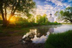 ХРАМ ПОКРОВА НА НЕРЛИ  Камера: Nikon D600  Объектив: AF-S NIKKOR 24-70mm f/2.8G ED  Автор: @evgeny_tsap #никон #nikonrussia #nikon by nikon_landscape