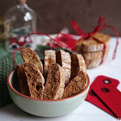 Pepperkakebiscotti med mandler | ENEstående Mat | Bloglovin' A Food, Food And Drink, Biscotti, Cereal, French Toast, Salt, Breakfast, Morning Coffee, Salts