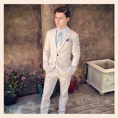 callan mcauliffe as Maxon from Selection? YES!!