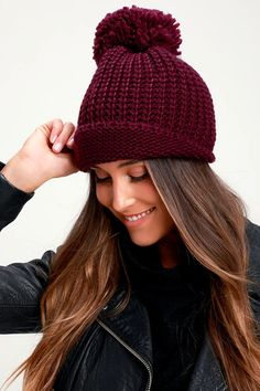 Your cold-weather activities aren't complete without the Lulus Lakewood Burgundy Knit Pom Pom Beanie! Chunky knit shapes this beanie with a cute pom pom. Cute Winter Hats, Winter Hats For Women, Cute Hats, Stylish Hats, Long Sleeve Romper, Curvy Women Fashion, Casual Fall Outfits, Cute Dresses, Knitted Hats