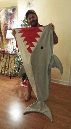 Shark Tail Blanket, Mermaid Tail Blanket, Mermaid Tails, Mermaid Blankets, Fleece Projects, Sewing Projects For Kids, Sewing For Kids, Sewing Hacks, Sewing Crafts