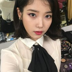 It's no secret that Korean superstar IU has amazing skin. This is the skincare trick she uses to get a flawless complexion. Iu Twitter, Kpop Hair, Kpop Aesthetic, Korean Singer, Pretty People, Skin Care Tips, Kpop Girls, Cool Girl, Beauty Hacks