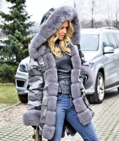 Pinterest: IVoRYBlaCkk ✔ https://pinterest.com/IVoRYBlaCkk/  american parka with fur - american comouflage army parka with fox fur coat
