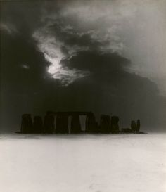 1947 image by Bill Brandt, Stonehenge In the Snow