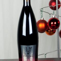 Preparando el vino para nochevieja... #laestacadatumejorregalo #vino #familia #amigos #findeaño2016 #nochevieja #tinto #laestacada #dejatemimar