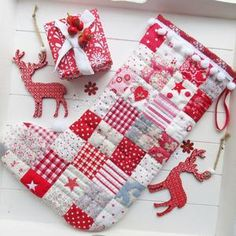 Quilted Christmas Stockings, Christmas Stocking Pattern, Xmas Stockings, Christmas Sewing, Christmas Crafts, Christmas Quilting, Christmas Ideas, Christmas Tree, Christmas Patterns