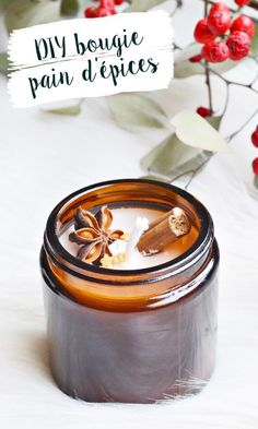 DIY Christmas gingerbread candle: a good idea for a Christmas gift to make yourself, easy and fast! Christmas Gifts To Make, Christmas Diy, Christmas Tables, Nordic Christmas, Modern Christmas, Diy Candles, Candle Jars, Beeswax Candles, Candle Holders