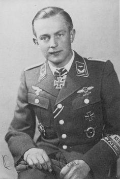 ✠ Heinrich Kempken (June 18, 1920 - November 15, 2006) RK 29.10.1944 Fahnenjunker-Feldwebel Flugzeugführer i. d. 7./SG 3