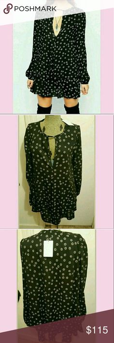 Free People High Neck StrapRetro Print Swing Tunic Size Medium or Small NWT. High neck strap. Free People Dresses Mini