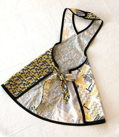Retro Inspired Yellow Black White and Gray Apron by Salon Wear, Cute Aprons, Sewing Aprons, Sewing Techniques, Yellow Black, Diy Fashion, Fabric Design, Sewing Projects, Sewing Patterns