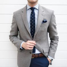 Do you know what to wear on your business meeting then you are at the right place! read our article about Business Casual for Men Attire ! Blazer Outfits Men, Mens Fashion Blazer, Stylish Mens Outfits, Best Mens Fashion, Business Casual Outfits, Suit Fashion, Look Formal, Herren Outfit, Gentleman Style