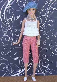 Trendy Barbie in Crochet Fashion Clothes Barbie Clothes Patterns, Crochet Barbie Clothes, Clothing Patterns, Crochet Doll Dress, Crochet Doll Pattern, Barbie Knitting Patterns, Barbie Dress, Barbie Doll, Crochet Fashion