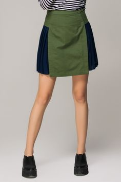 Pencil skirt with side pleats