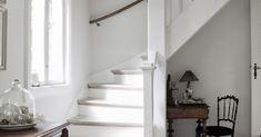Koti Tanskassa - A Home in Denmark Bo Bedre Kuvat: Pernille Kaalund via Valokuvia sisustukses. House Tours, Denmark, Stairs, Farmhouse, Blog, Home Decor, Country Living, Country Houses, Interiors