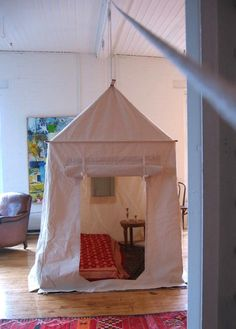 According to our friend Charlie Scott, the one drawback to living in an open loft space is the the lack of a guest bedroom. Imagine his surprise when his s