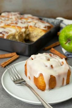 If you love cinnamon rolls then you should really try these apple cinnamon rolls. Soft and fluffy bread with sweet tart soft apple chunks together with heavenly smell cinnamon sugar and covered with creamy cream cheese glaze. Apple Cinnamon Rolls, Cinnamon Apples, Cinnamom Rolls, Sweet Desserts, Dessert Recipes, Tasty Bread Recipe, Tart Taste, Cream Cheese Glaze, Apple Filling