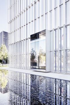 Best Ideas For Architecture and Modern Design : – Picture : – Description United States Courthouse – Salt Lake City / Thomas Phifer and Partners - Modern Buildings, Beautiful Buildings, Office Buildings, Facade Architecture, Amazing Architecture, Salt Lake City, Facade Design, Exterior Design, Entrance Design