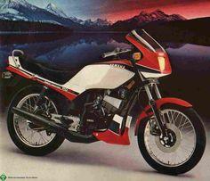 Spoiler Original Yamaha Rdz Rd135z Carenagem Rd 135 Rabeta - R$ 200,00 em Mercado Livre Yamaha 125, Motos Yamaha, Vespa, Cafe Bike, Old Motorcycles, Old Bikes, Motocross, Racing, The Originals