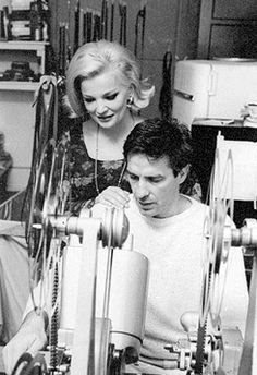 Gena Rowlands et John Cassavetes sur le tournage de Faces Photo Vintage, Vintage Photos, Vintage Vogue, Beverly Hills, Gena Rowlands, John Cassavetes, Dramatic Classic, Classic Films, Film Director