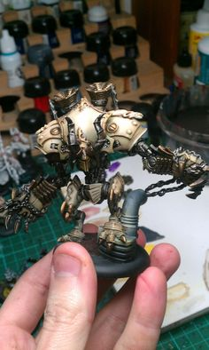 """Bone Cryx. At first glance I thought it was Menoth, but then I actually paid attention. Interesting. Might not be finished. Needs more green. Everything Cryxian needs more green! XD. Its the """"DA RED WUNZ GO FASTA!!!"""" of the Warmachine world. """"Da green wunz kill bettah!"""""""