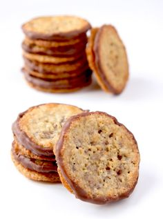 La Cuisine de Bernard: Havreflarn (Swedish pancakes with oats as Ikea) Biscuit Cookies, Biscuit Recipe, Cookie Recipes, Dessert Recipes, Desserts With Biscuits, Thermomix Desserts, Love Food, Sweet Recipes, Sweet Tooth