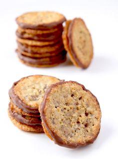 La Cuisine de Bernard: Havreflarn (Swedish pancakes with oats as Ikea) Desserts With Biscuits, Cookie Desserts, Cookie Recipes, Dessert Recipes, Biscuit Cookies, Biscuit Recipe, Thermomix Desserts, Galette, Love Food