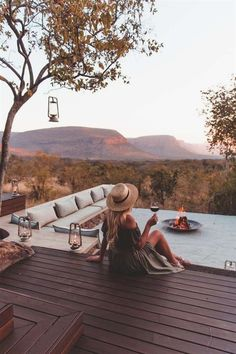 5 Unique Safari Lodges To Check Out In South Africa - Campsbay Girl If you are thinking of coming to South Africa on safari consider one of these 5 unique Safari lodges to suit your specific n Africa Safari Lodge, Africa Destinations, Holiday Destinations, Hiking Photography, Safari Adventure, African Safari, Beautiful Places To Visit, Africa Travel, Lodges