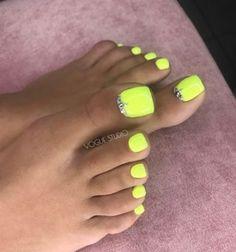 # pedicure # nails # design – My CMS Neon Toe Nails, Acrylic Toe Nails, Pretty Toe Nails, Toe Nail Color, Cute Toe Nails, Summer Toe Nails, Feet Nails, Summer Acrylic Nails, Toe Nail Art