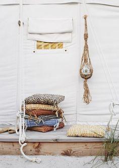 Cool new chair cushions from new summercollection Madam Stoltz. Nice colours & prints  #matraskussen #sierkussens #chaircushions #cushions #prints #colours #madamstoltz #deensnl #home #interior #textile #interior4you #interieurstyling #summer #nordichome #scandinavischwonen