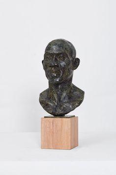 DC Head Bronze, timber 25 x 25 x 55 cm Edition of 8 + 2 APs Sculptures, Lion Sculpture, International Artist, Bronze Age, Modern Materials, Southern, Statue, Sculpture